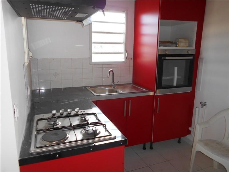 Rental apartment St francois 800€ CC - Picture 1