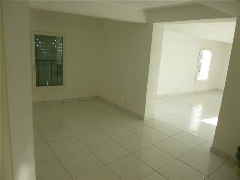Rental apartment Manosque 450€ CC - Picture 1