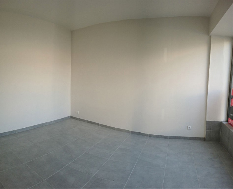 Rental empty room/storage Aire sur l adour 780€ CC - Picture 3