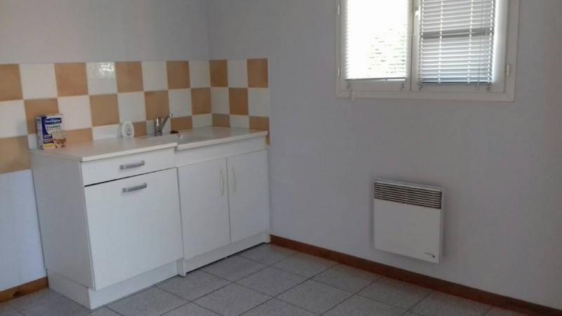 Location bureau Entraigues-sur-la-sorgue 1360€ CC - Photo 8