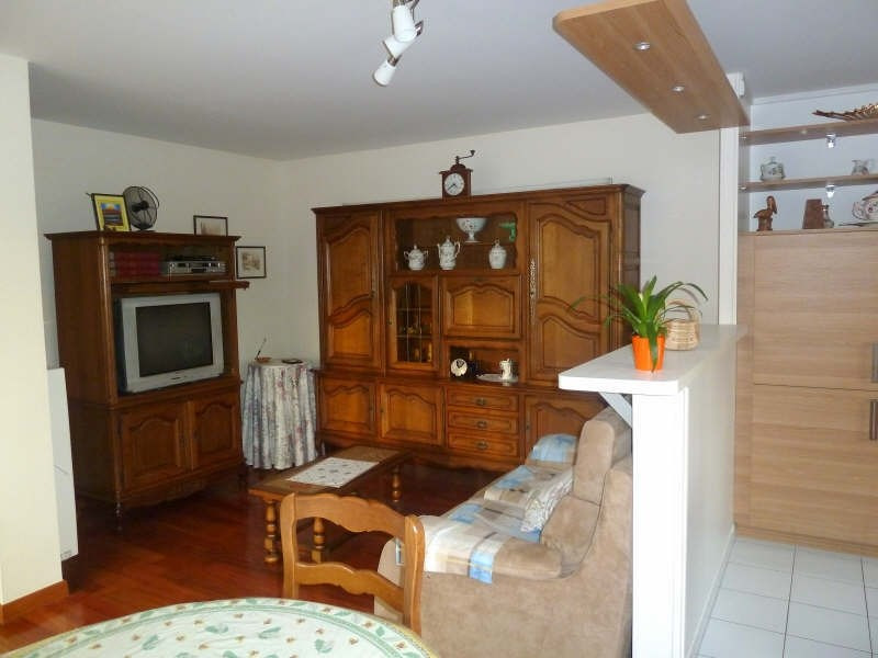 Rental apartment Andresy 936€ CC - Picture 1