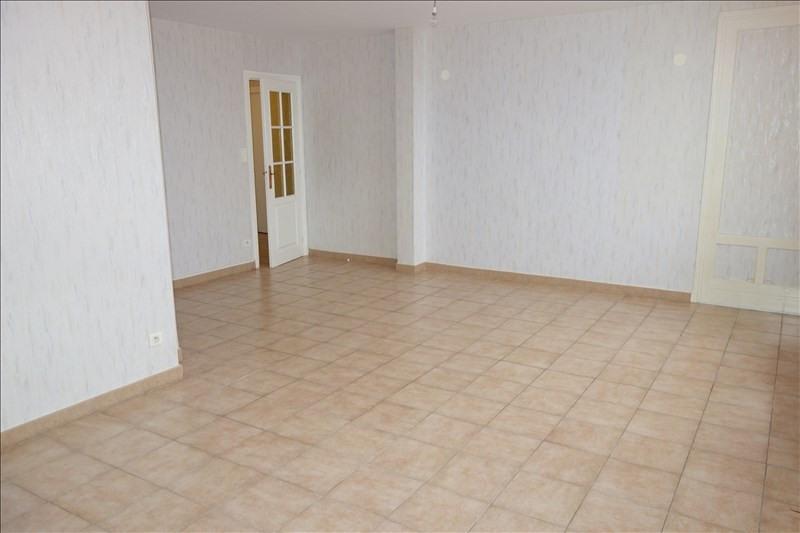 Rental apartment Riorges 579€ CC - Picture 4