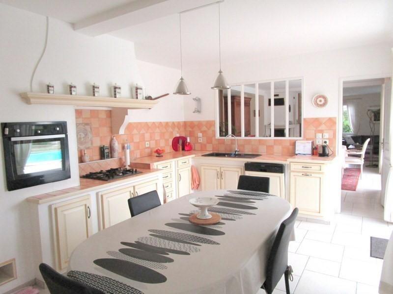 Sale house / villa Petit palais et cornemps 335000€ - Picture 3