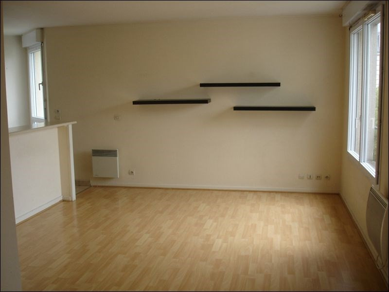 Rental apartment Viry chatillon 707€ CC - Picture 2