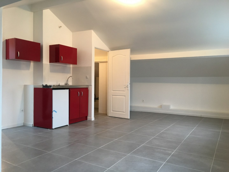 Location appartement Saint-leu-la-forêt 601€ CC - Photo 2
