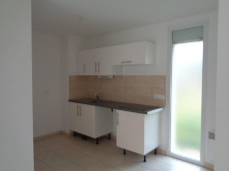 Location appartement Sainte luce sur loire 584€ CC - Photo 2