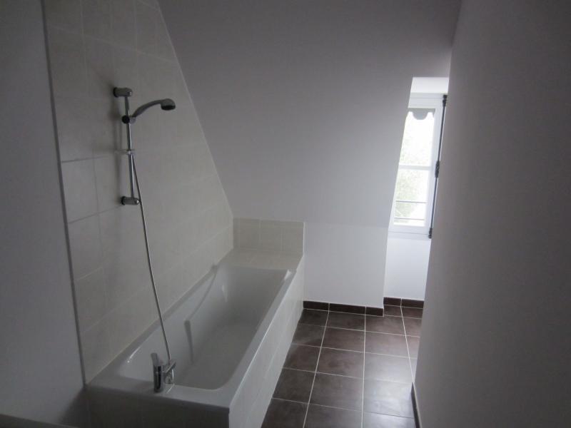 Rental apartment St beron 430€ CC - Picture 5