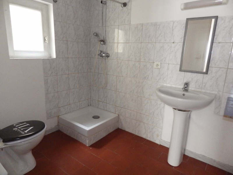 Location appartement Nimes 390€ CC - Photo 7