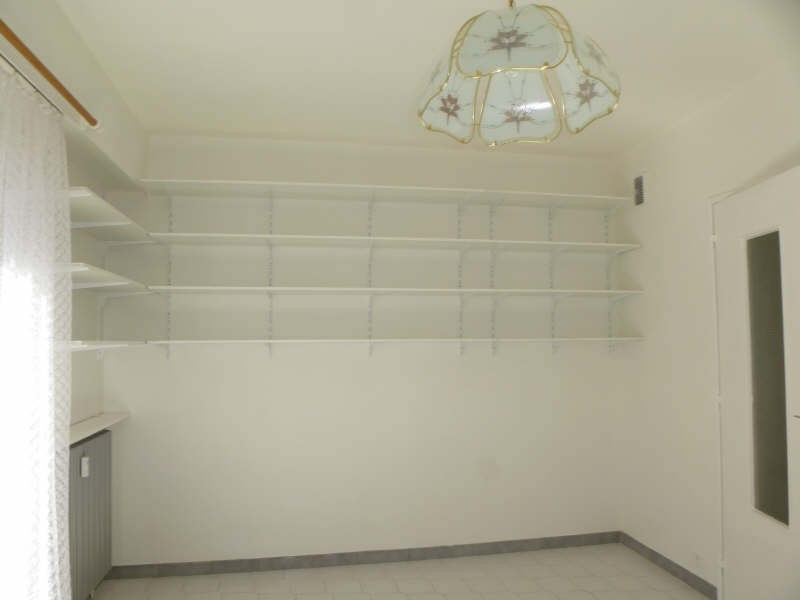 Rental apartment Nimes 398€ CC - Picture 3