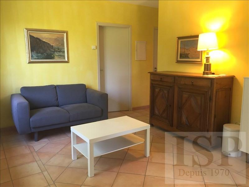 Rental house / villa Aix en provence 780€ CC - Picture 3