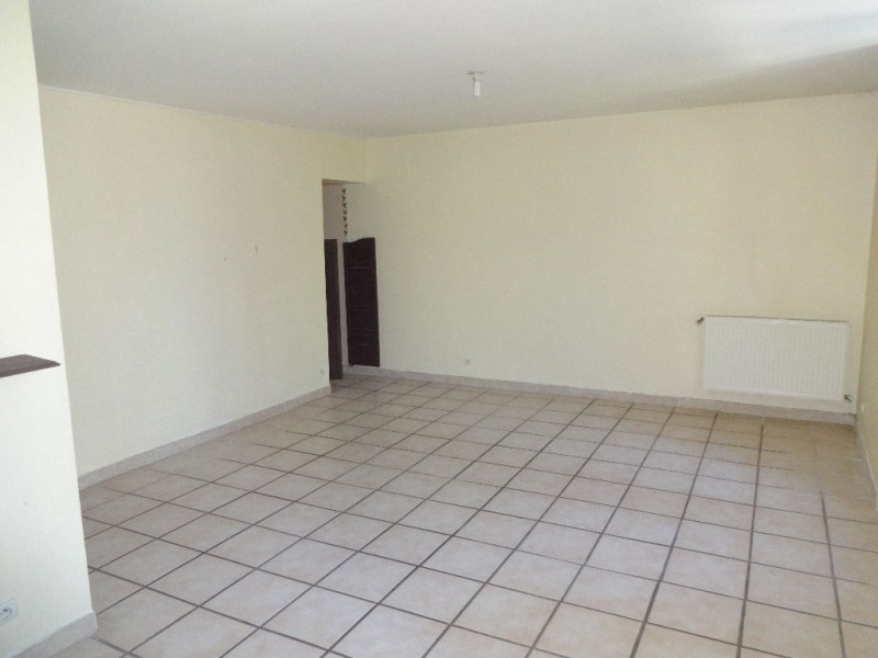 Location appartement Althen des paluds 610€ CC - Photo 2