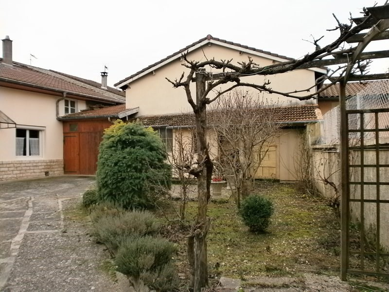 Sale house / villa St georges d esperanche 210000€ - Picture 2