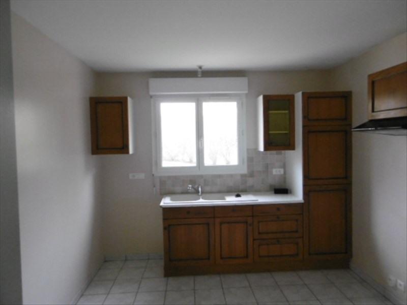 Location maison / villa Planioles 816€ CC - Photo 2