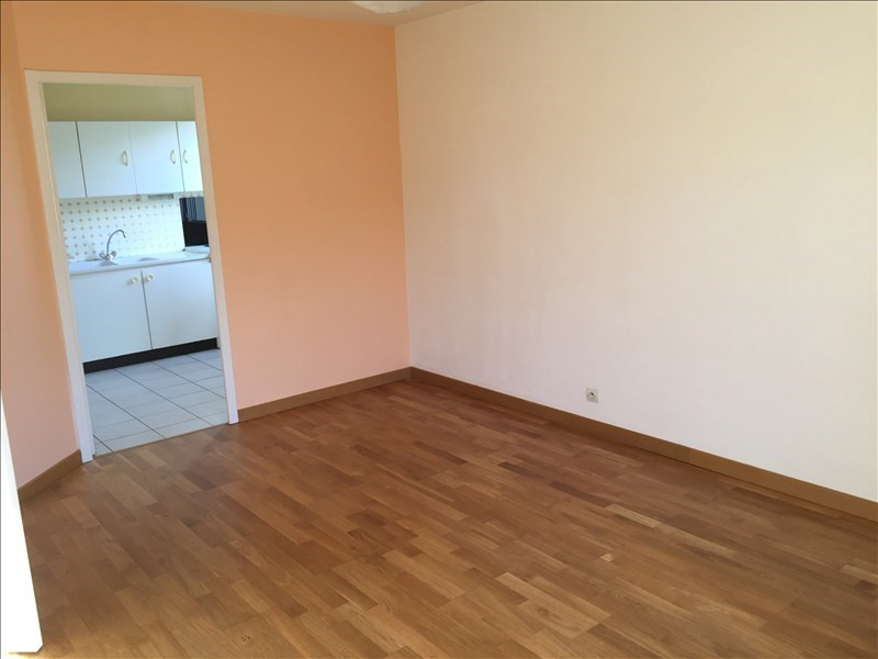 Location appartement Poitiers 480€ CC - Photo 3
