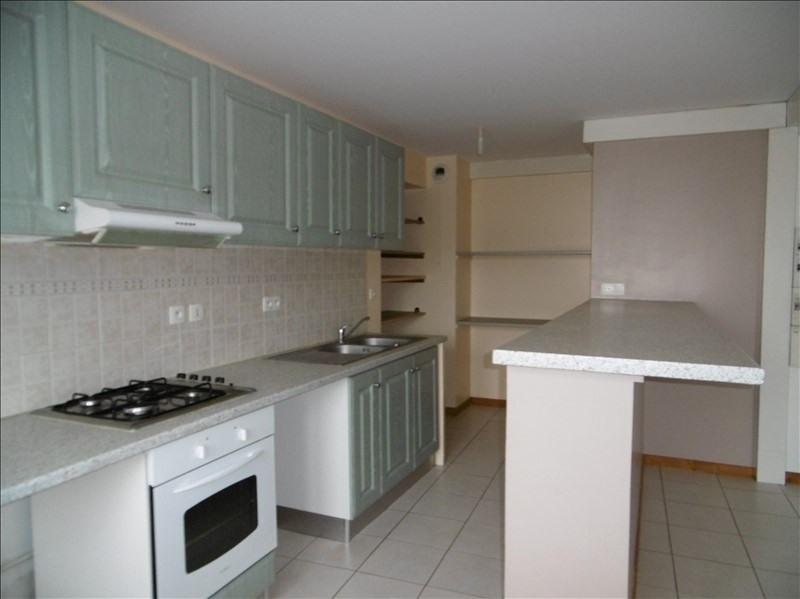 Rental apartment St martin de bavel 520€ CC - Picture 3