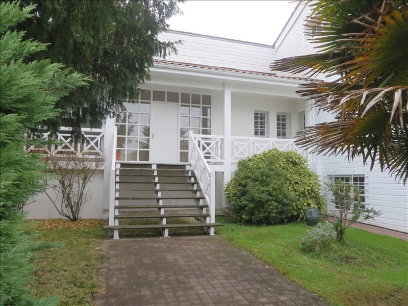 Sale house / villa Montpon menesterol 210000€ - Picture 1