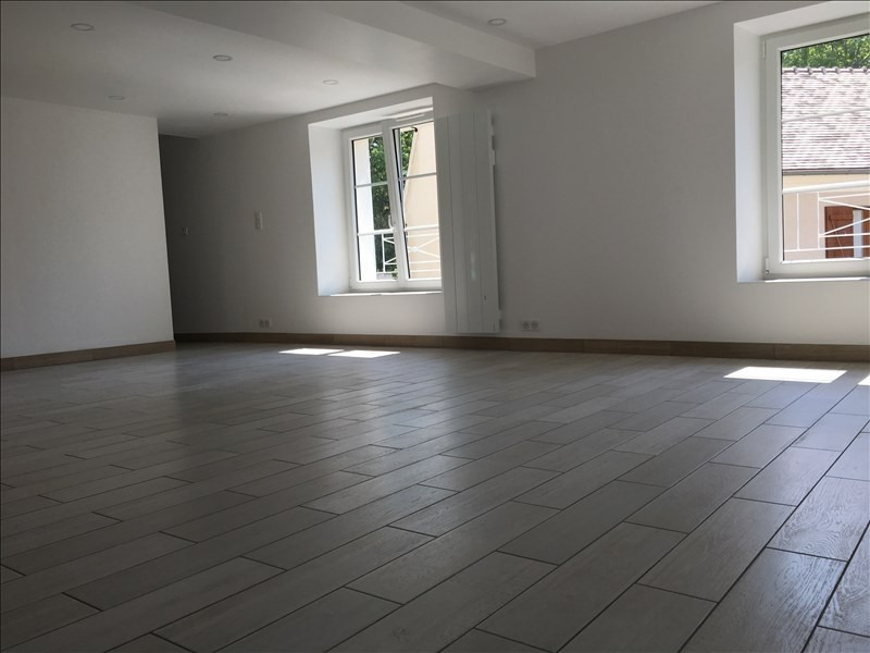 Location appartement Etrepilly 895€ CC - Photo 4