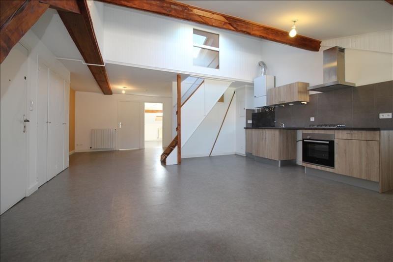 Verhuren  appartement Voiron 607€ CC - Foto 1