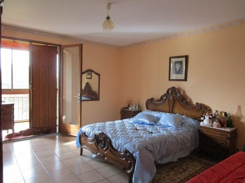 Sale house / villa Villamblard 170000€ - Picture 4