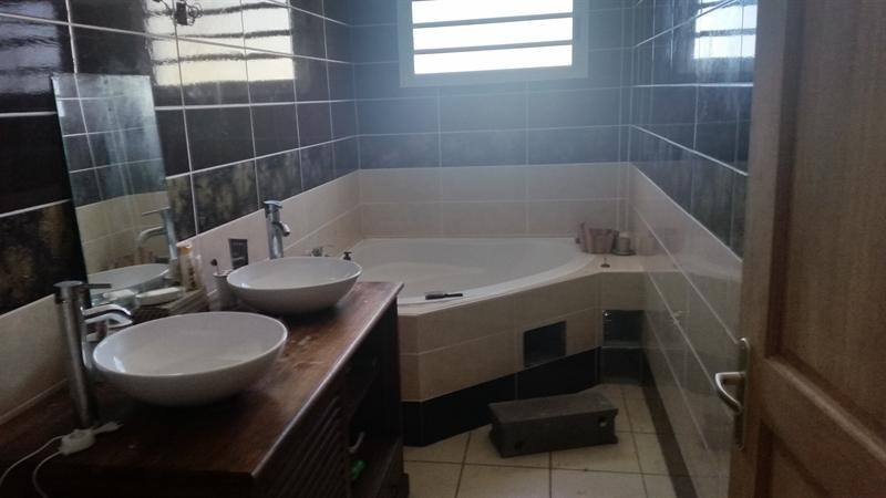 Sale house / villa Saint-andré 239000€ - Picture 4