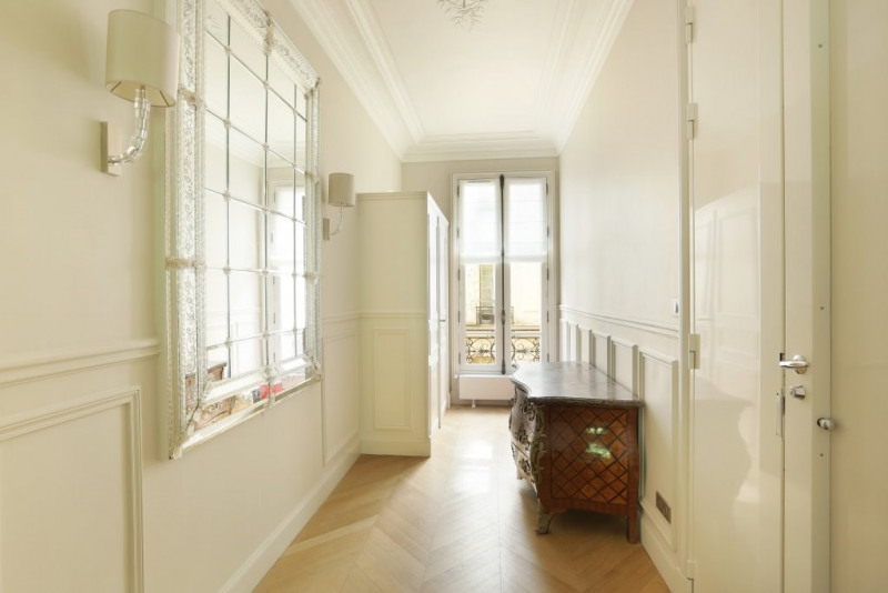 Location appartement Paris 7ème 9 800€ CC - Photo 14
