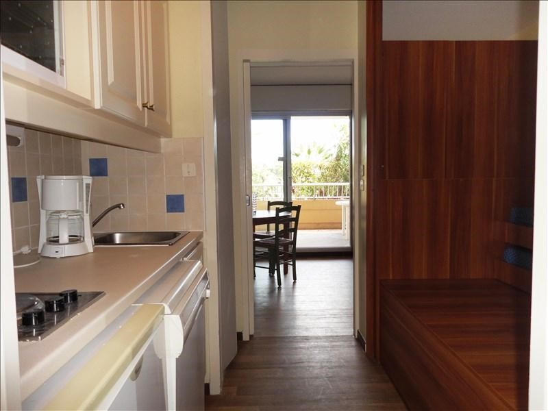 Location appartement Hyeres 492€ CC - Photo 5