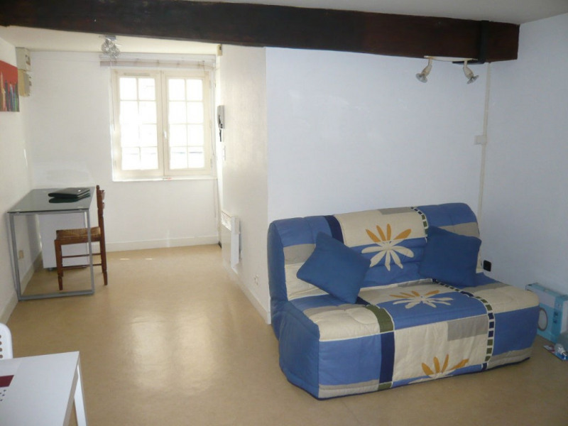 Rental apartment Laval 260€ CC - Picture 2