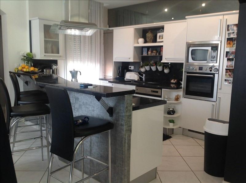 Deluxe sale house / villa St quentin 302200€ - Picture 5