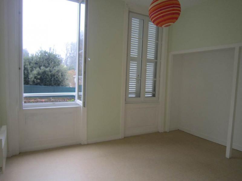 Rental apartment Cognac 370€ CC - Picture 3
