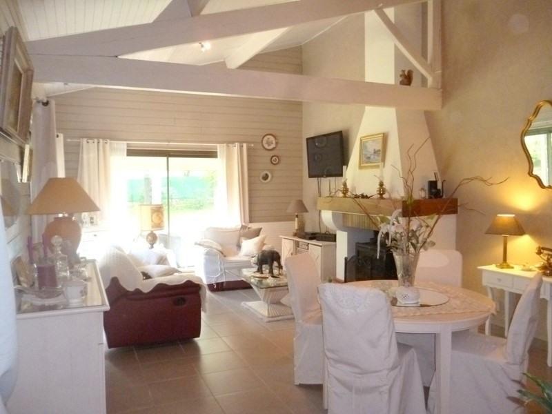 Sale house / villa St antoine sur l isle 232000€ - Picture 4