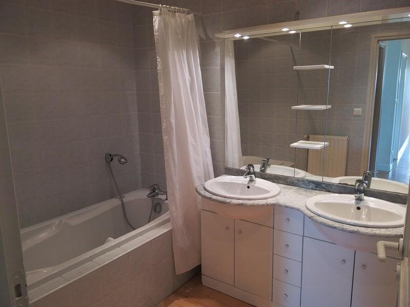 Location maison / villa Castelculier 1030€ CC - Photo 9