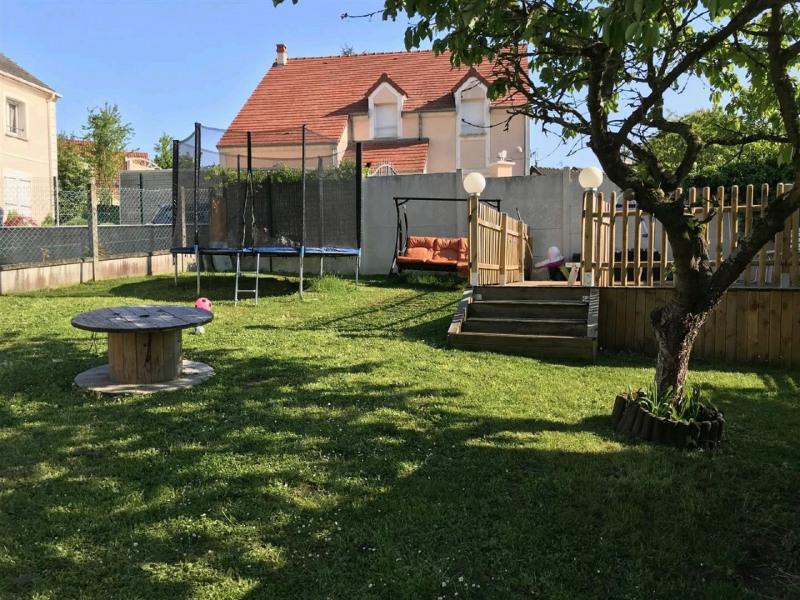 Sale house / villa Mery sur oise 325500€ - Picture 2