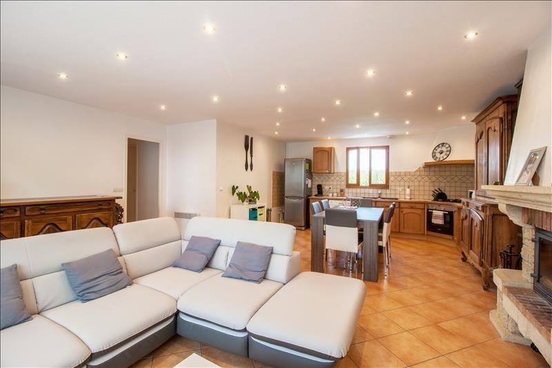 Sale house / villa Mazerolles 184890€ - Picture 2
