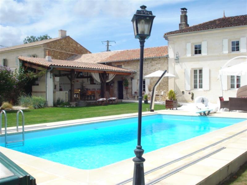 Sale house / villa Tonnay-charente 468000€ - Picture 4