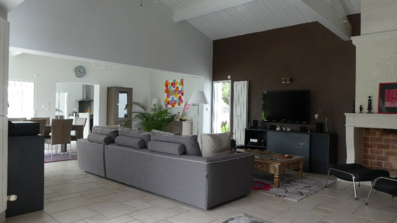 Deluxe sale house / villa Marsilly 875000€ - Picture 2