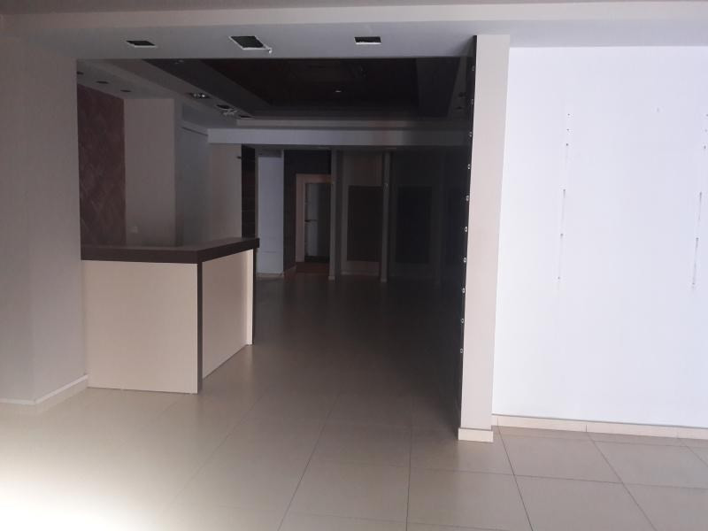 Location local commercial St paul 4000€ HT/HC - Photo 3