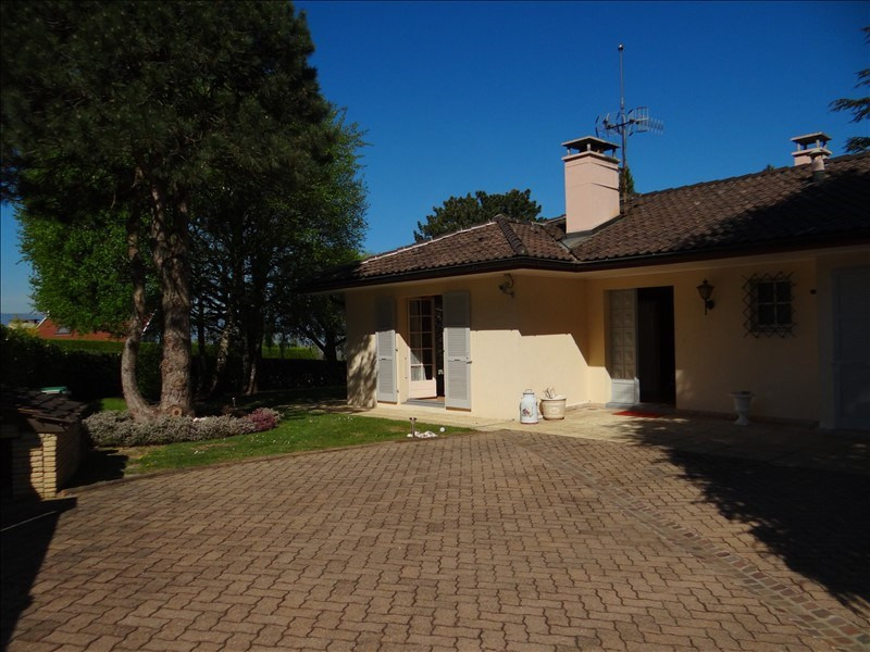 Deluxe sale house / villa Collonges sous saleve 840 000€ - Picture 2