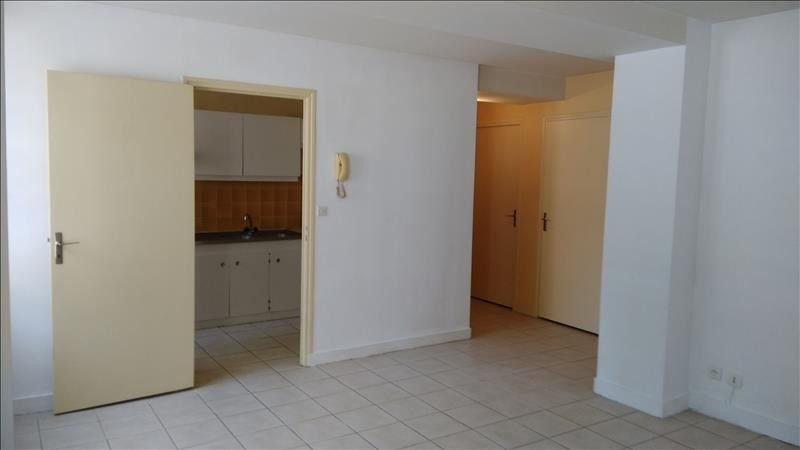 Rental apartment Vendome 400€ CC - Picture 3