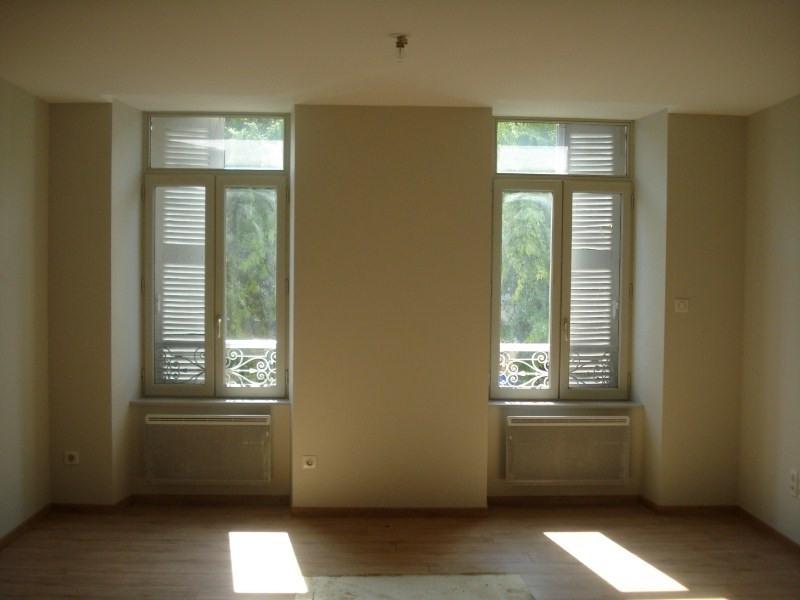 Location appartement Espalion 603€ CC - Photo 1