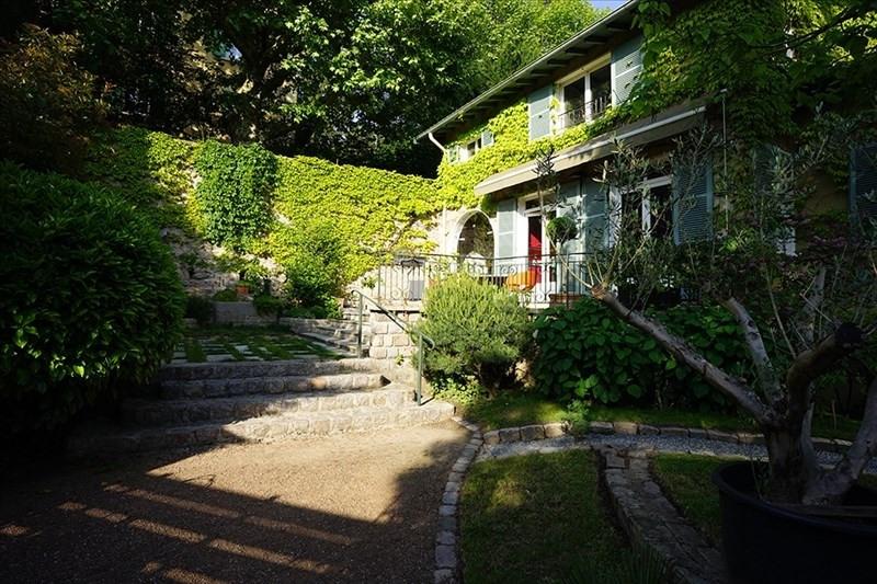 Deluxe sale house / villa Charbonnieres les bains 869000€ - Picture 2