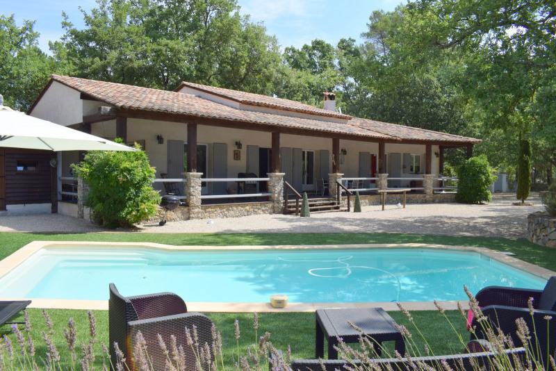 Deluxe sale house / villa Tourrettes 695000€ - Picture 2