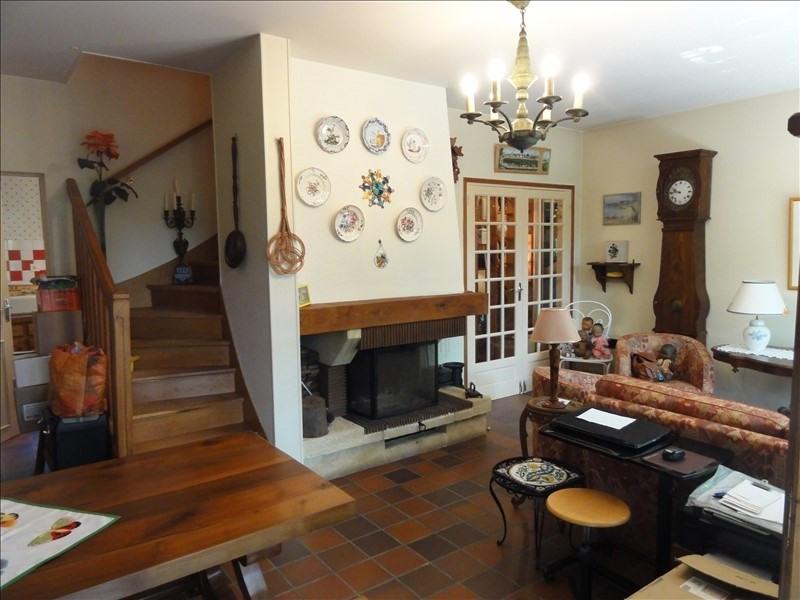 Sale house / villa Montfort l amaury 370000€ - Picture 4