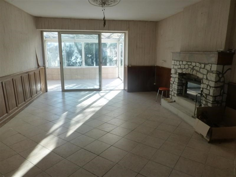 Sale house / villa Loulay 86000€ - Picture 3