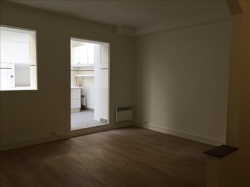 Location appartement Versailles 966€ CC - Photo 6