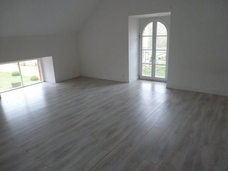 Location maison / villa Borest 1 350€ CC - Photo 5