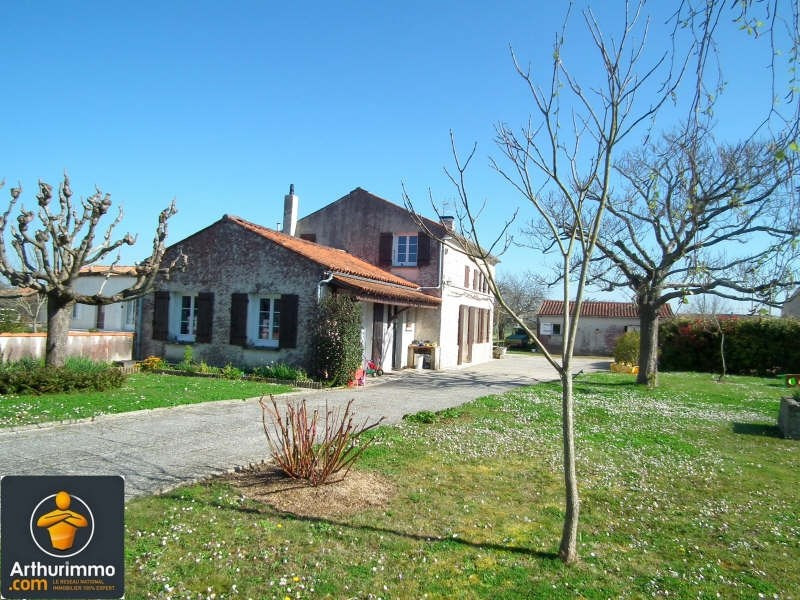 Sale house / villa Matha 159750€ - Picture 1
