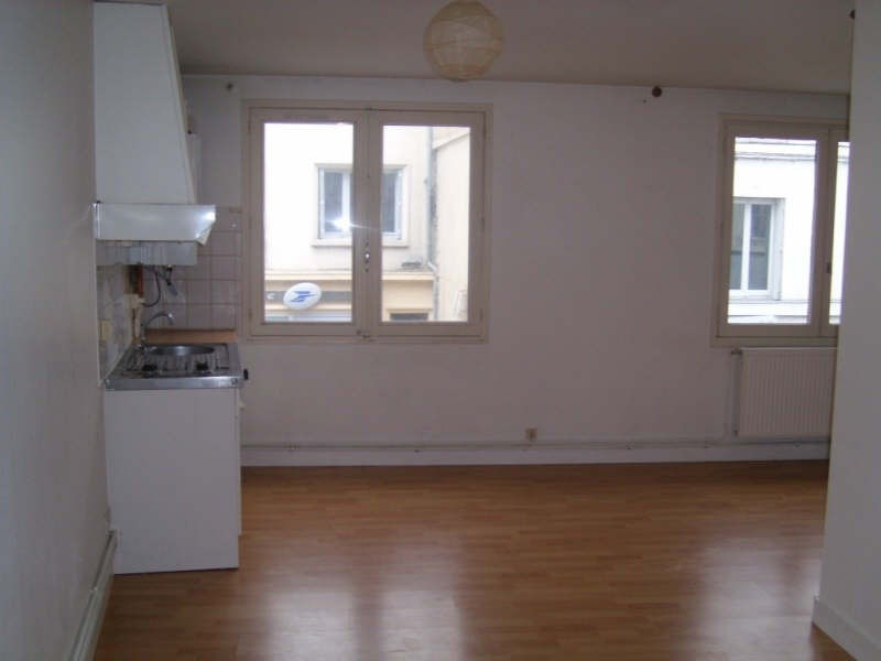 Location appartement Angouleme 382€ CC - Photo 1