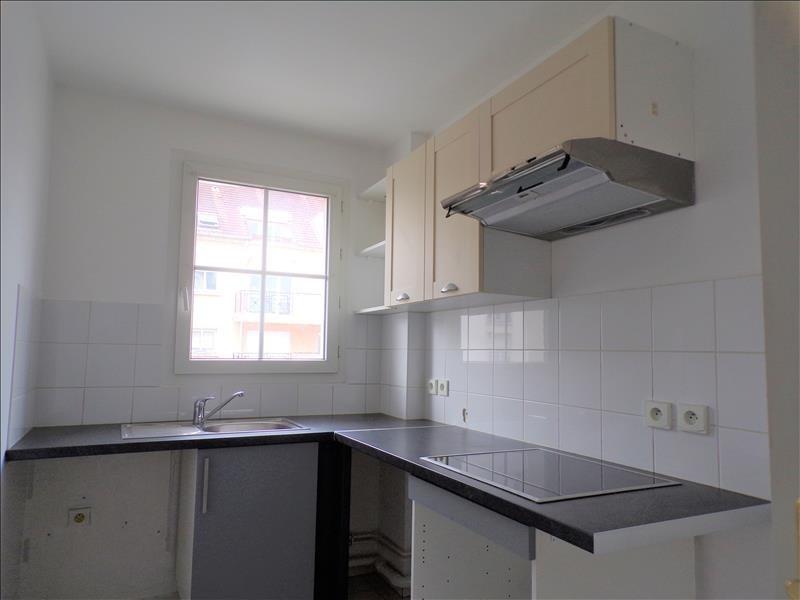 Location appartement Voisins le bretonneux 870€ CC - Photo 3