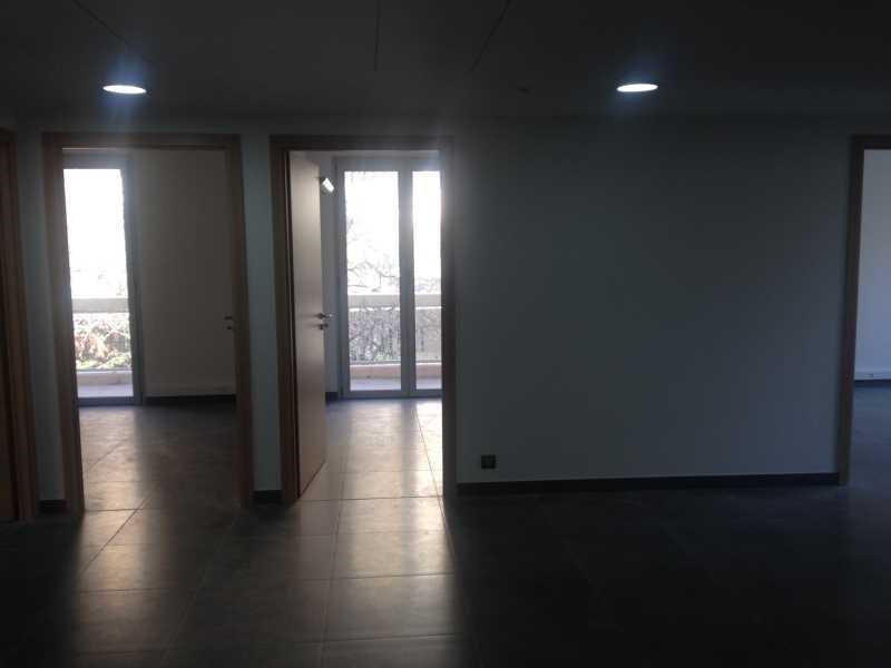location bureau aix en provence bouches du rh ne 13 140. Black Bedroom Furniture Sets. Home Design Ideas
