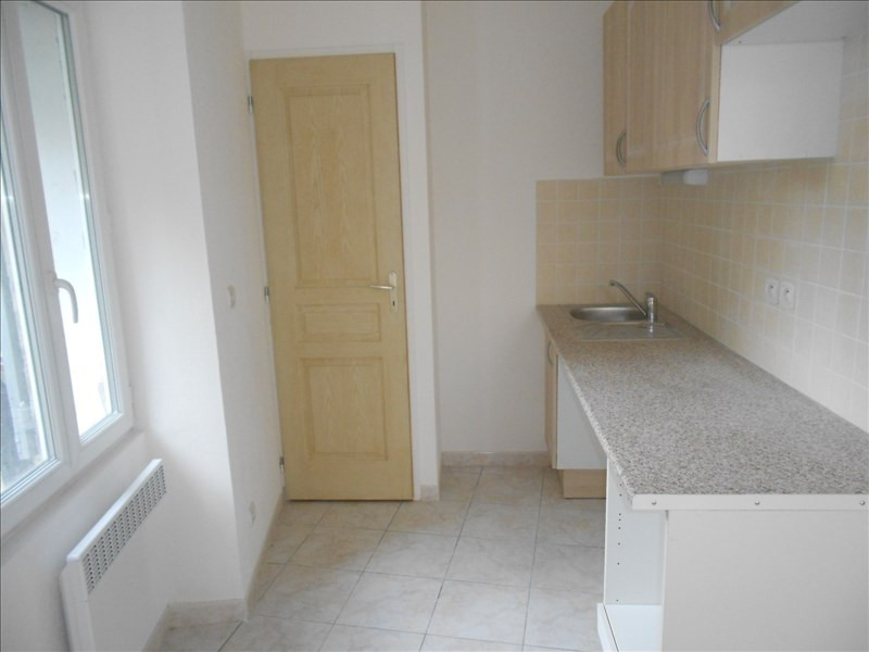 Sale apartment Lodeve 45 000€ - Picture 2
